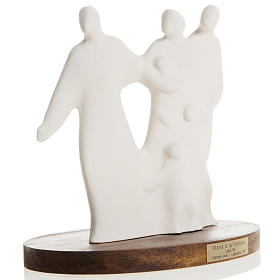 Mary and family with wooden base 18,5 cm s3