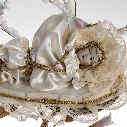 Petite fille Très Sainte Marie 18 cm sous cloche 3