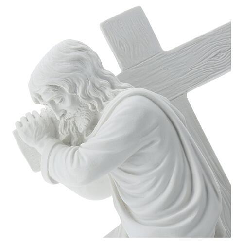Cristo con la cruz,  40 cm mármol sintético 2