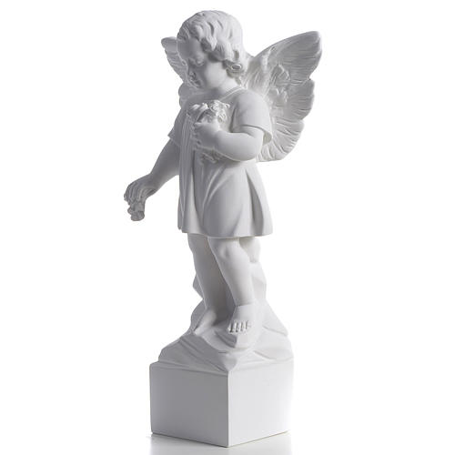 Angel with flowers in reconstituted white marble 15,75in 3