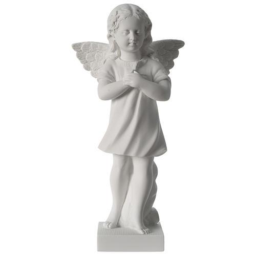 Angelot main sur le coeur marbre blanc 1