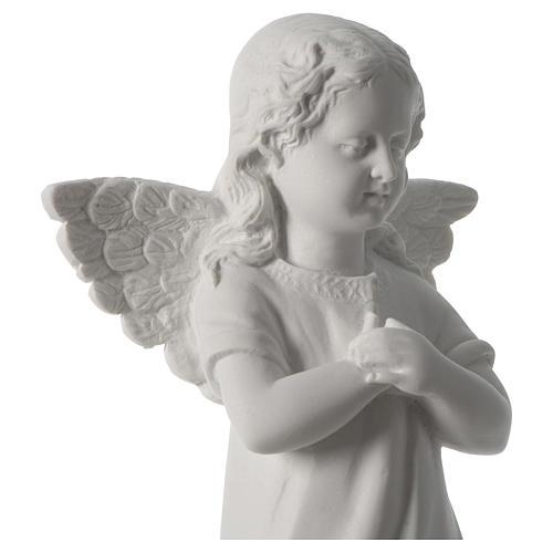 Angelot main sur le coeur marbre blanc 2