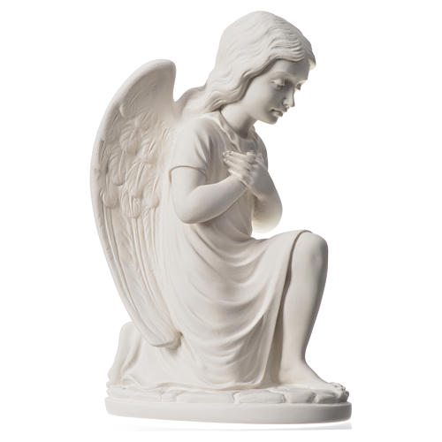 Praying angel, right, in reconstituted white Carrara marble 13,3 6