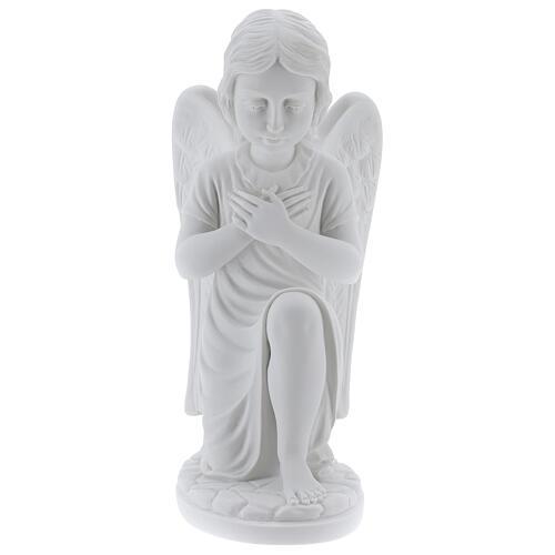 Anjo mãos no coração de joelhos mármore branco de Carrara 34 cm 1