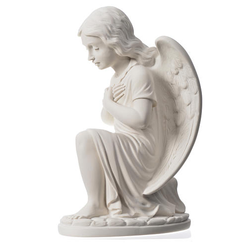 Praying angel, right, in composite white Carrara marble 13,3 7