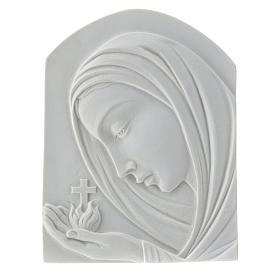 Madonna con croce 22 cm rilievo marmo sintetico s1
