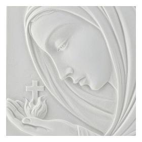 Madonna con croce 22 cm rilievo marmo sintetico s2