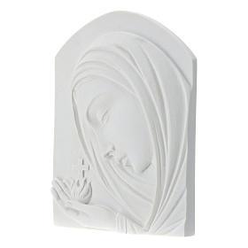 Madonna con croce 22 cm rilievo marmo sintetico s3