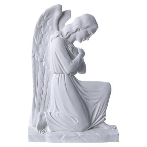 Ángel brazos entrelazados 25 cm, de mármol 1