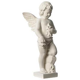 Ange avec fleurs marbre synthétique 45 cm s3
