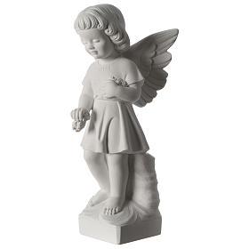 Angel throwing flowers s3