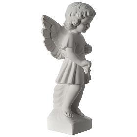 Angel throwing flowers s4
