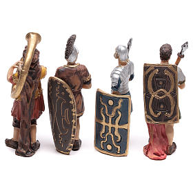 Quatre santons de soldats romains 9 cm s4