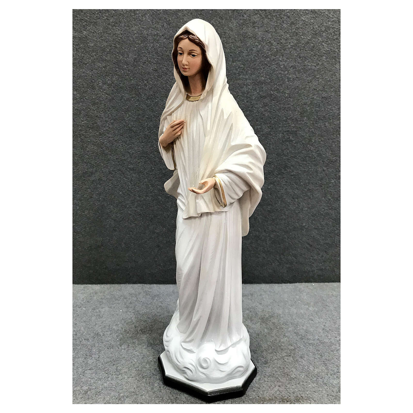 Our Lady Queen of Peace statue cloud base 40 cm painted resin 4