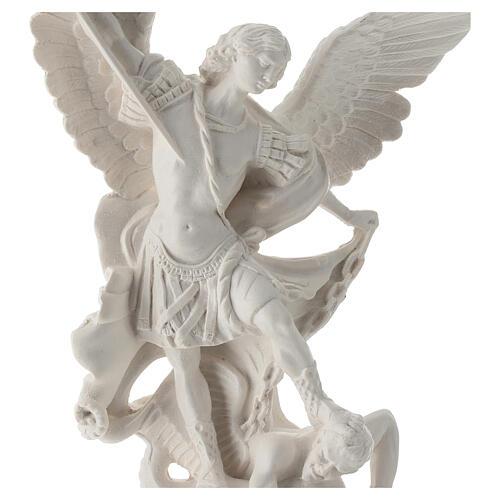 Estatua Arcángel Miguel resina blanca 28 cm 2