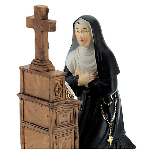 Santa Rita ajoelhada imagem resina 12 cm 2