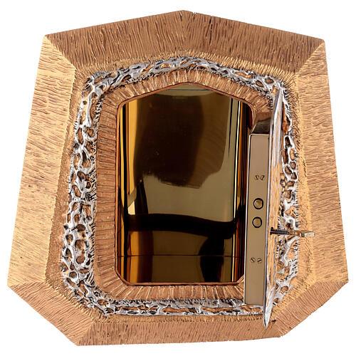 Sagrario de pared dorado con símbolos sacramentos 7