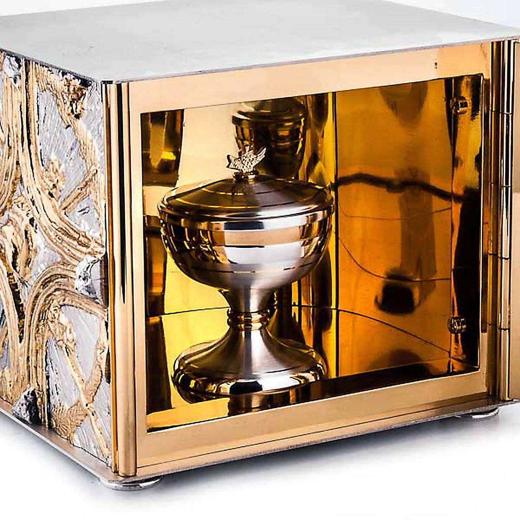 Tabernacle, golden cross 4