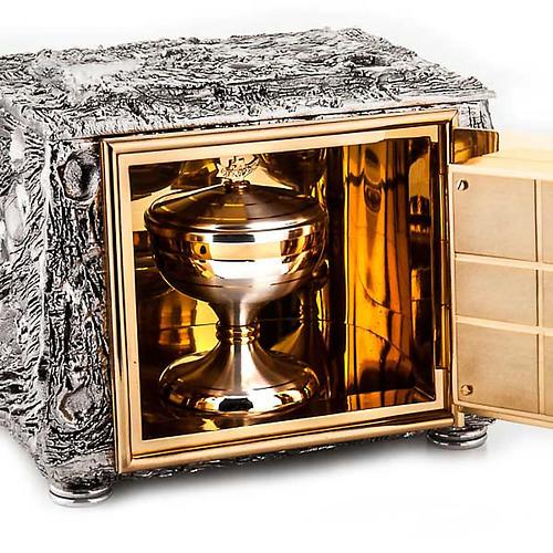 Altar tabernacle, stylized cross 3