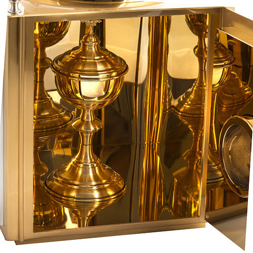 Altar Tabernacle in brass with small windows 7