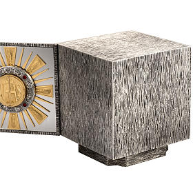 Altar Tabernacle in cast bronze with windows for adoration s6