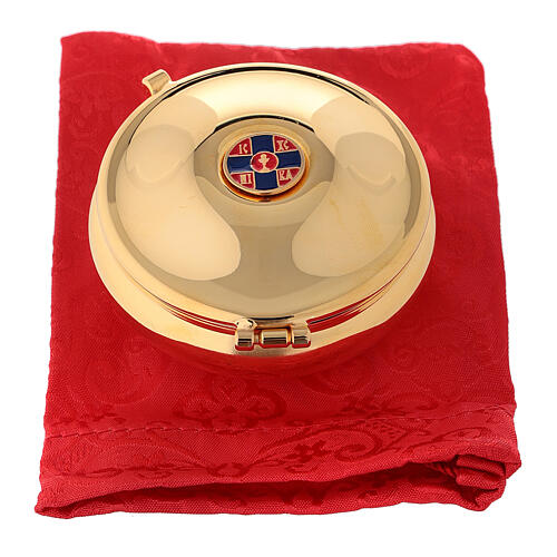 Enamelled gold plated pyx with cross and red burse 4