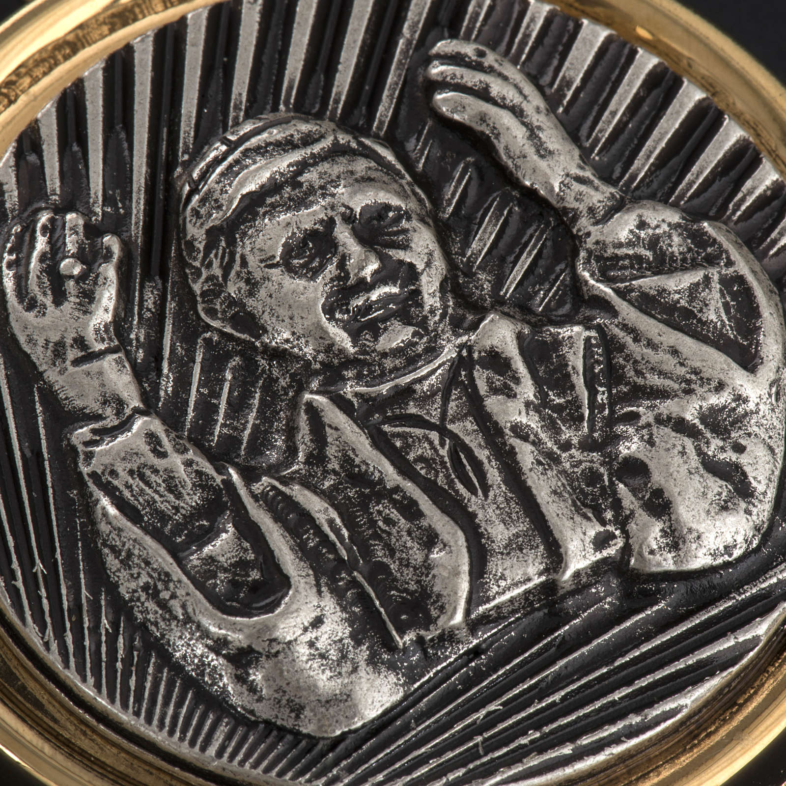 Teca eucaristica placca argentata Benedetto XVI 3