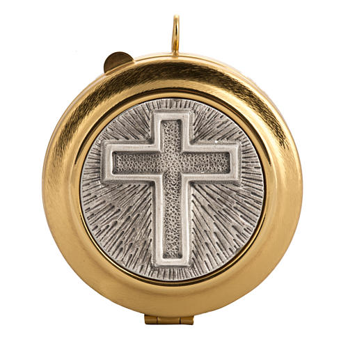Pyx with cross decoration in knurled brass 1