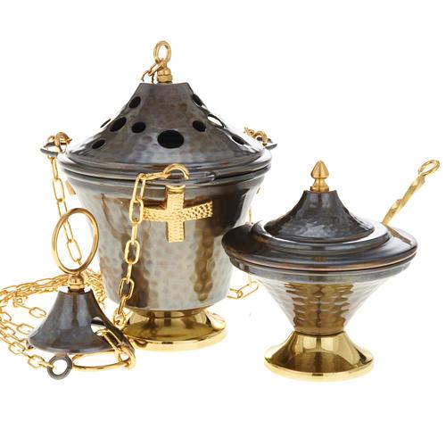 Encensoir et navette en bronze repoussés 4