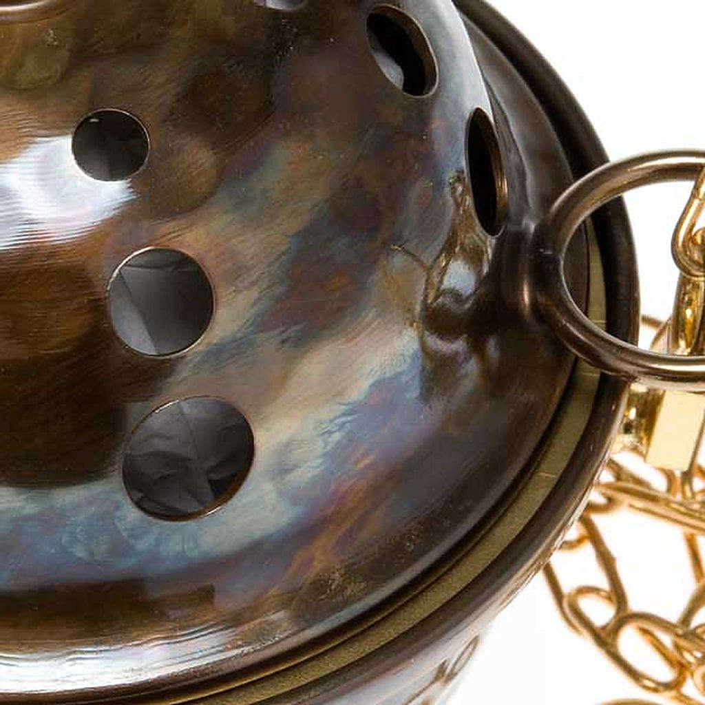 Encensoir et navette repoussés en laiton 3