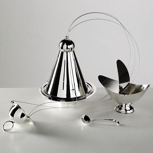Cone shaped thurible and boat with steel chains 1