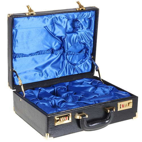 Case for travelling mass kits, empty with blue satin insides 1