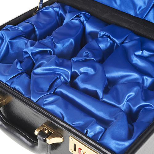 Case for travelling mass kits, empty with blue satin insides 2