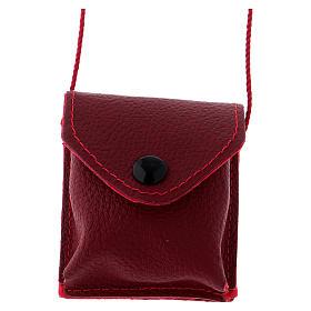 Relicarios eucarísticos: Bolso para relicario cuero rojo y raso con relicario latón dorado