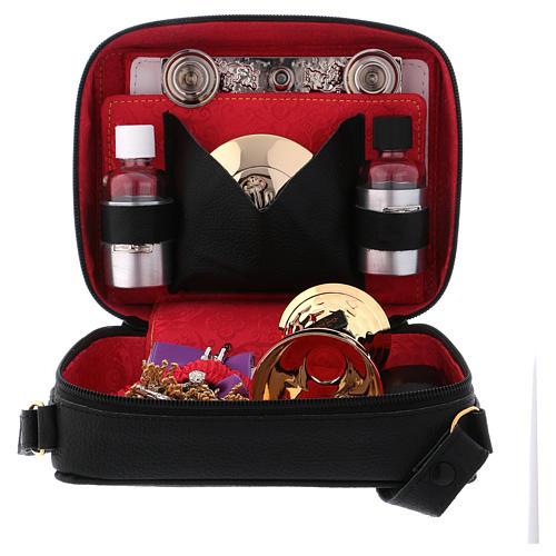 Valise-chapelle en bandoulière en cuir avec doublure rouge 3