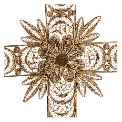 Cruz pectoral de plata 800 dorada en filigrana con rayos 4
