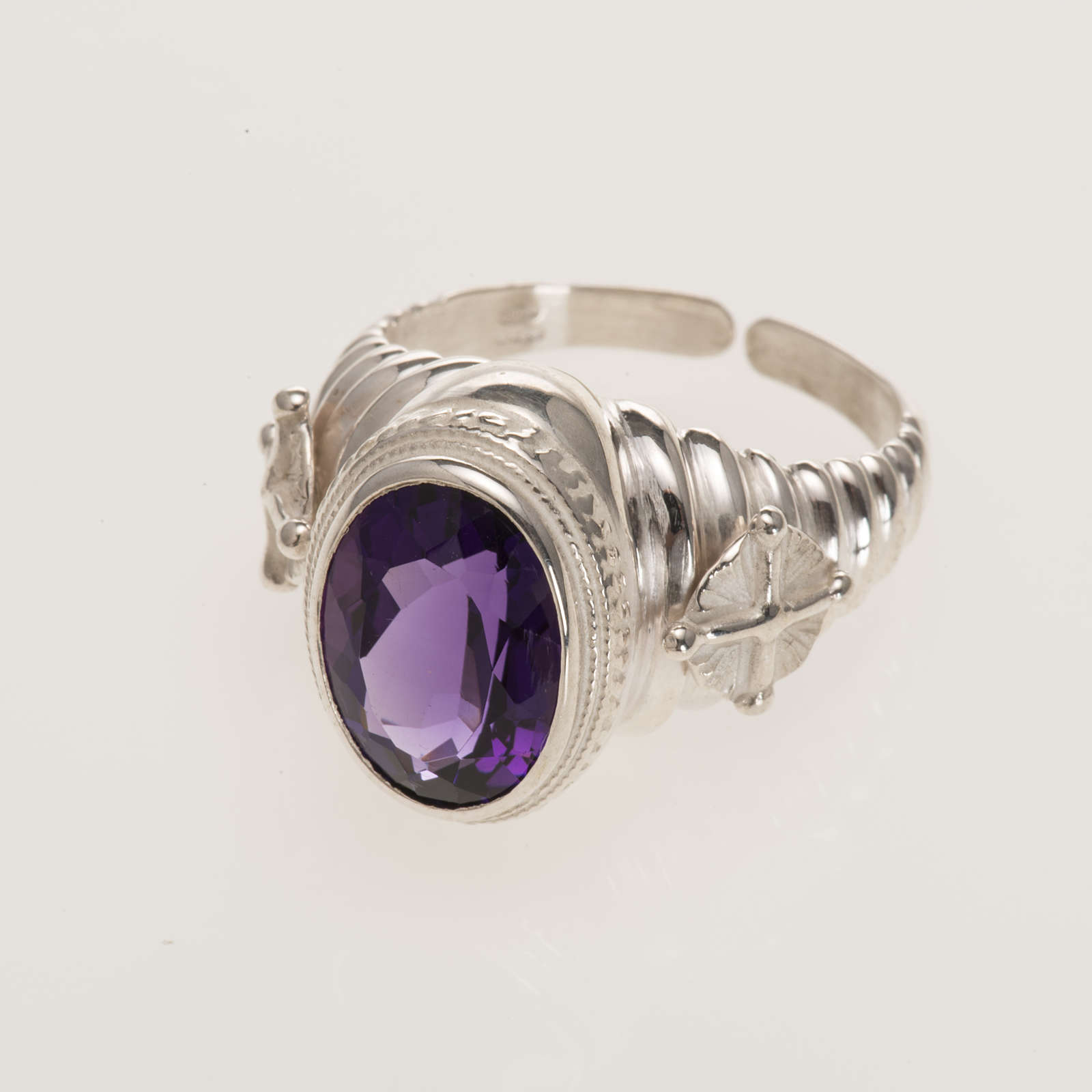 Bishop's ring made of 800 silver with amethyst 3