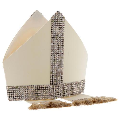 Mitra aus 100 % Wolle mit Schmuckband aus Chanel-Stoff 6
