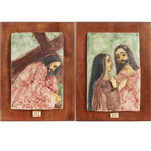 Via Crucis 14 stazioni maiolica pastello su legno ciliegio 3
