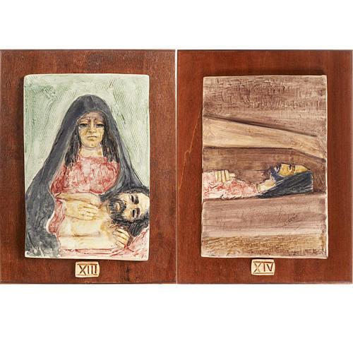 Via Crucis 14 stazioni maiolica pastello su legno ciliegio 8