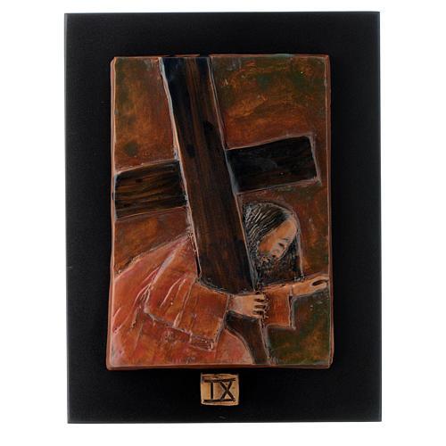 Via Crucis 14 stazioni maiolica cuoio su legno bruno 9