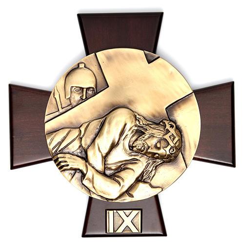 Vía Crucis 14 estaciones latón fundido sobre placa madera 9